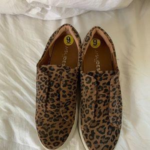 Leopard j/slides